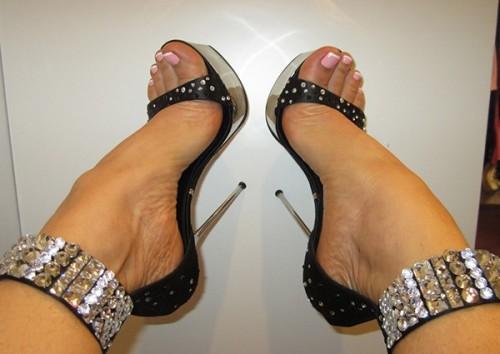 Coco-Austin-Feet-15e690be277c6a38d0.jpg