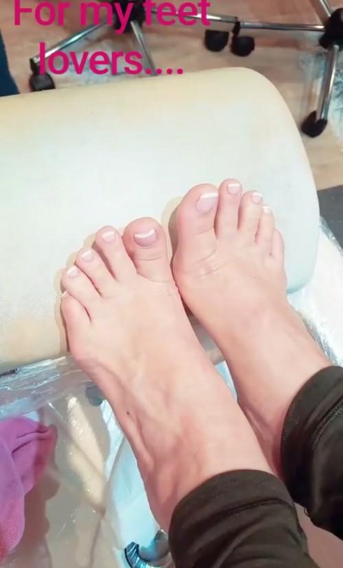 Coco-Austin-Feet-2387c7713cb439fc15.jpg