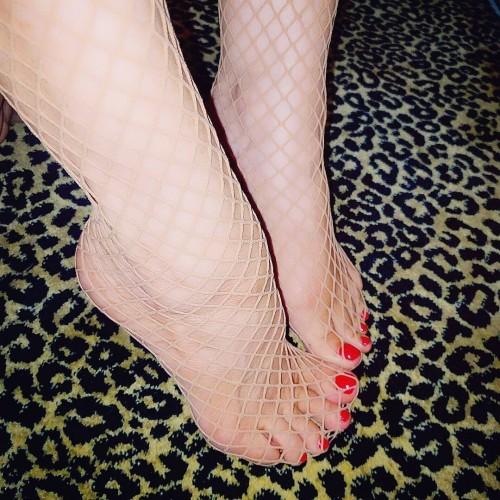 Coco-Austin-Feet-29294dafa427a82b45.jpg