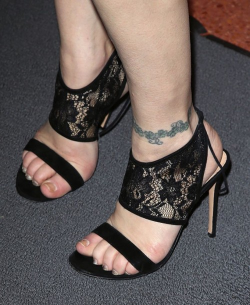 Courtney-Love-Feet-2cab966cb734365ed.jpg