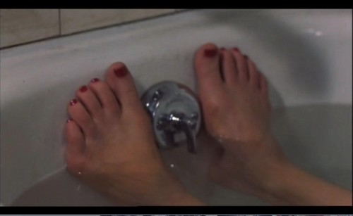Courtney-Love-Feet-5199883874a4fc2df.jpg