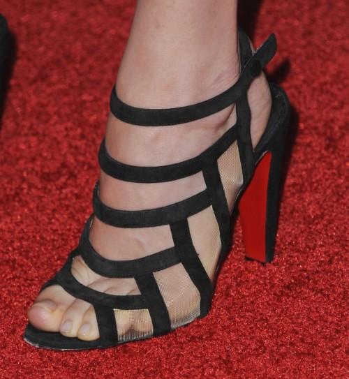 Dakota-Johnson-Feet-21fc4a7ea5bd6b22b7.jpg
