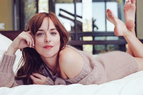 Dakota-Johnson-Feet-24ddb49f41aa22dda3.jpg