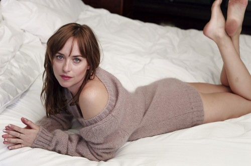 Dakota-Johnson-Feet-30d53ef057498eb589.jpg