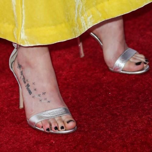 Dakota-Johnson-Feet-3535545ec87603ba91.jpg