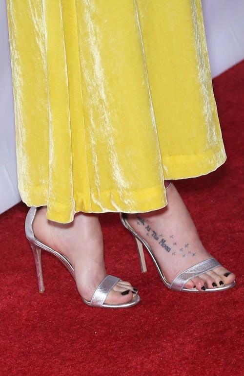 Dakota-Johnson-Feet-36d95bbd73e5c0dee4.jpg