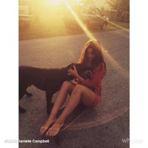 Danielle-Campbells-Feet-50aa989f9908beee06.jpg