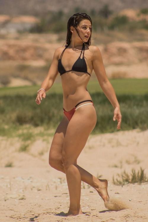 Danielle-Campbells-Feet-695320fe348786f9d7.jpg
