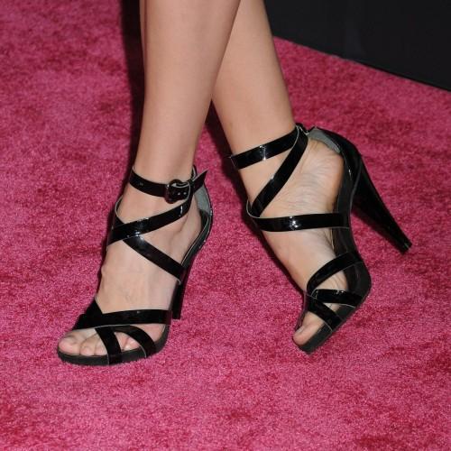 Danielle-Panabakers-feet-72b2c6d77eba27c441.jpg