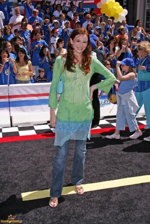 Danielle-Panabakers-feet-87fd5f48251d05ab05.jpg