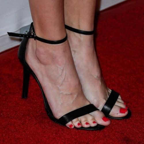 Danielle-Panabakers-feet-898a46b1c2d1b18e20.jpg