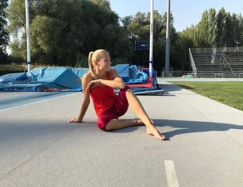 Darya-Klishinas-Feet-59de503560a8df9d59.jpg