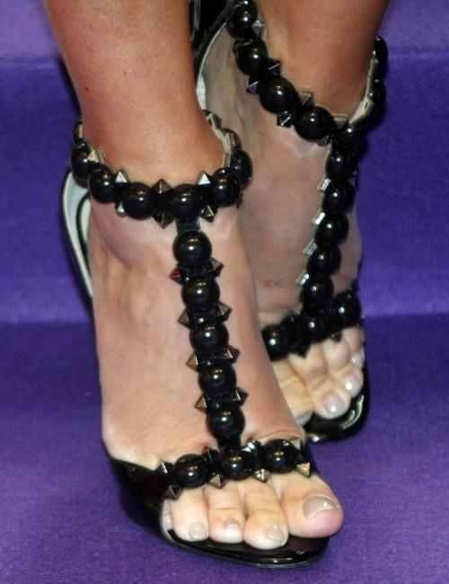 Denise-Van-Outen-Feet-13cc351fb5d8898a5b.jpg