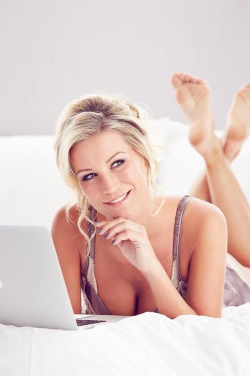 Denise-Van-Outen-Feet-570bea3761cdd7d77.jpg