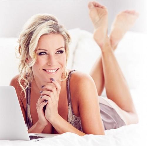 Denise-Van-Outen-Feet-6b4379e8c417a3d4d.jpg