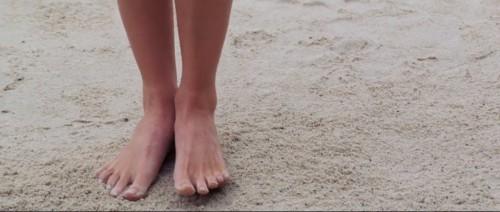 Devon-Aoki-Feet-5b41ed99b892eddb4.jpg