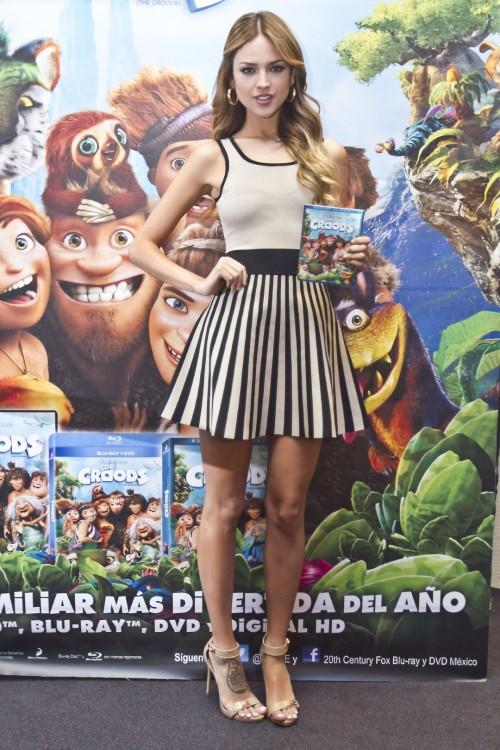 Eiza-Gonzalezs-Feet-51faf8916ce7ade151.jpg