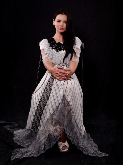Eline-Powells-Feet-5287e548b99221084b.jpg