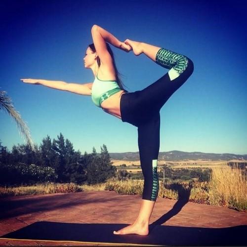 Eline-Powells-Feet-79f3551668d29ae149.jpg