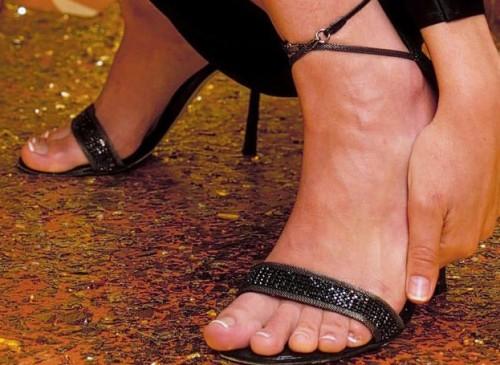 Eliza-Dushkus-Feet-2100c36c9afb8e14b4.jpg