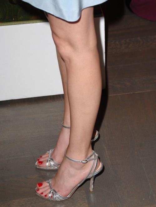 Elizabeth-Banks-feet-696e75f6bfea25524d.jpg