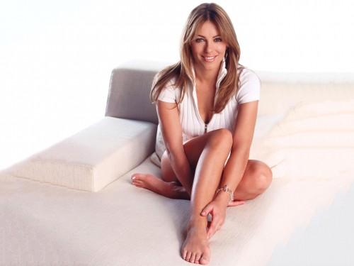 Elizabeth-Hurley-Feet-11bb4c52c9dbf84474.jpg