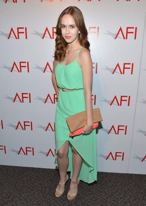 Elizabeth-McLaughlins-Feet-24febba0738709a964.jpg