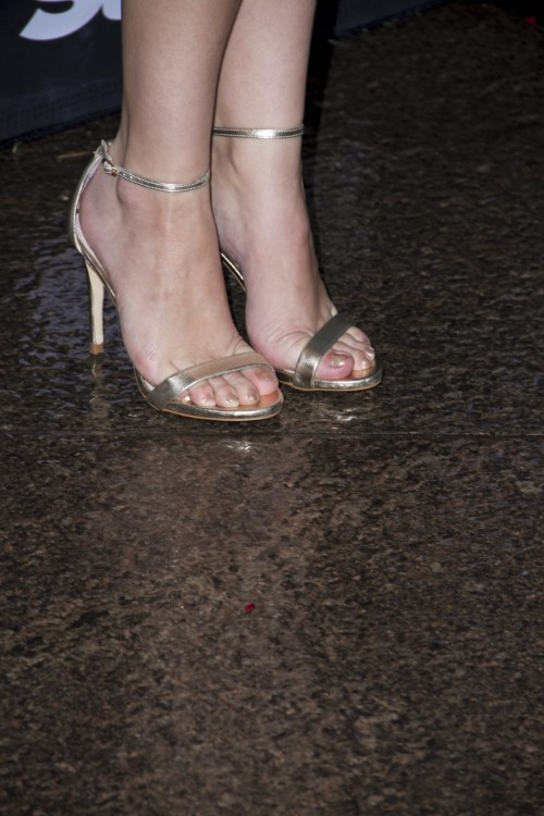 Elizabeth-McLaughlins-Feet-864c37b62a1d51fe9.jpg