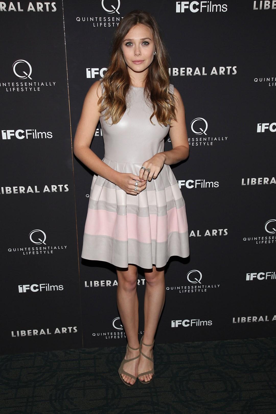 Feet elizabeth olsen Elizabeth Olsen