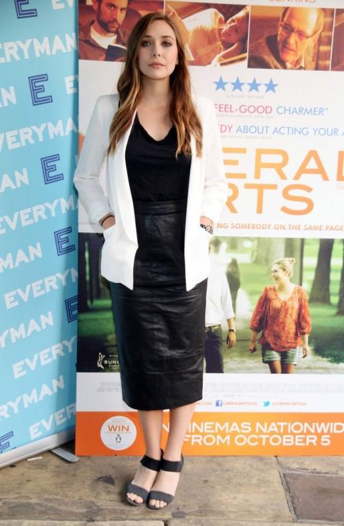 Elizabeth-Olsens-Feet-6706843a54903c5508.jpg