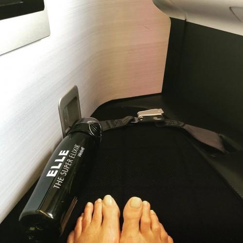 Elle-Macpherson-Feet-1035877cd1187f8af9.jpg