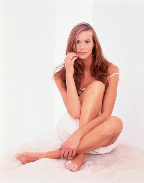 Elle-Macpherson-Feet-59ffff5a0805cddfc.jpg