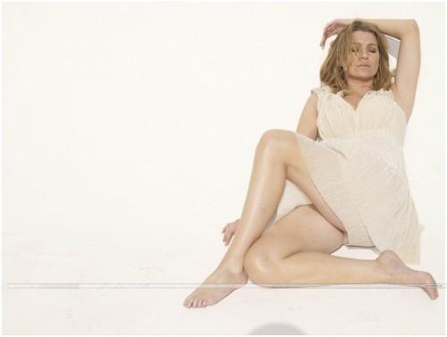 Ellen-Pompeo-Feet-411aa23c7c9ee4026.jpg