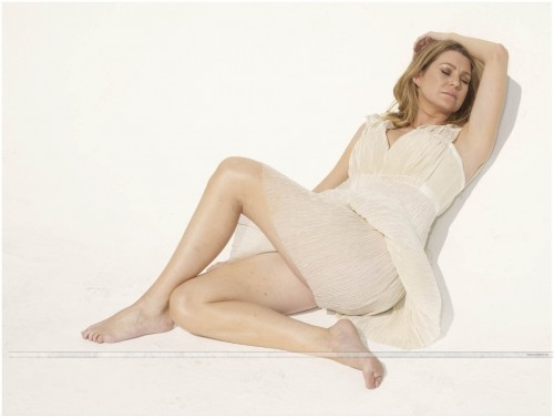 Ellen-Pompeo-Feet-53d133b6ba6bc1bdb.jpg