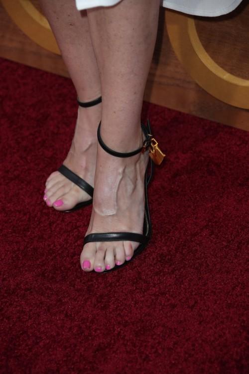 Ellen-Pompeo-Feet-7752ccff957d80d38.jpg