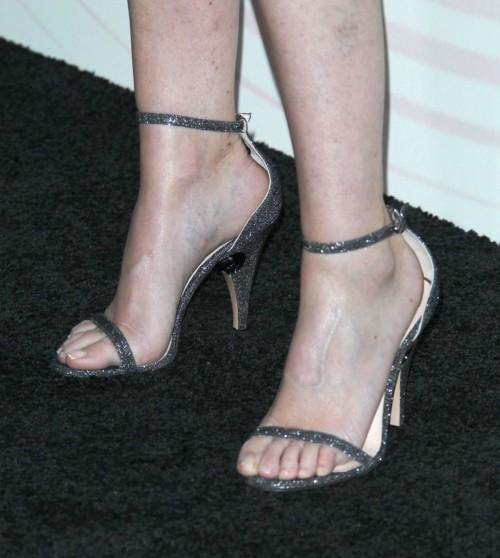Ellen-Pompeo-Feet-9aefffa2f2f3004d5.jpg