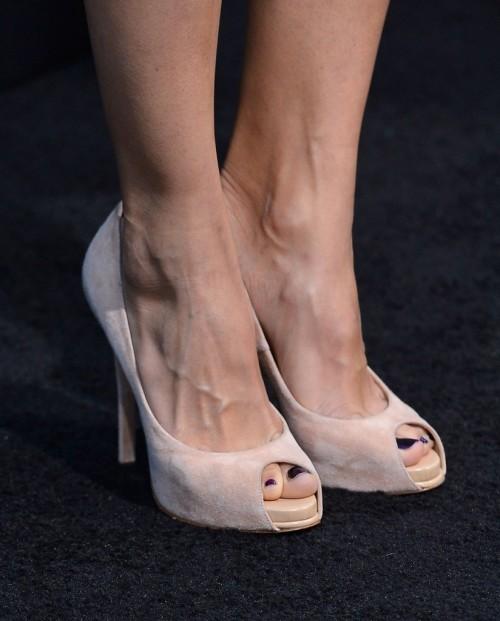 Elodie-Yungs-Feet-317f3fac933f210e06.jpg