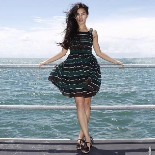 Elodie-Yungs-Feet-3737fafb4e6a3df324.jpg