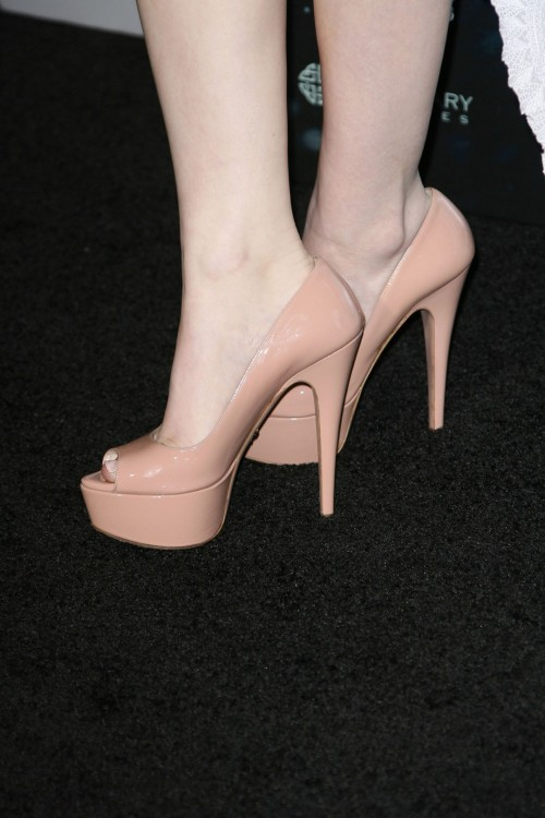 Emily-Brownings-Feet-532bde978bc9cfadce.jpg