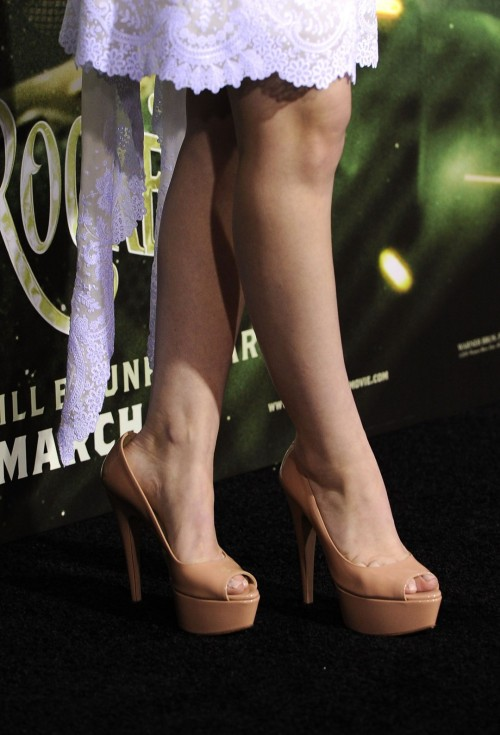 Emily-Brownings-Feet-56e3dee5128df5b66e.jpg