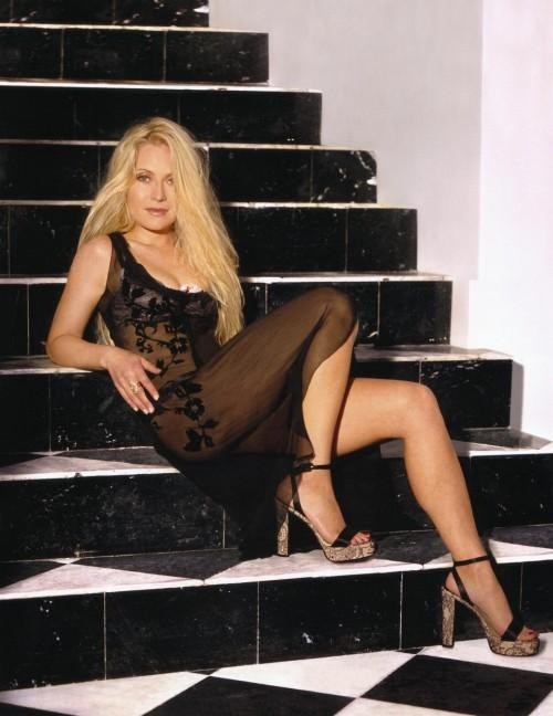 Emily-Procter-Feet-3b58a62e4d82810e0.jpg