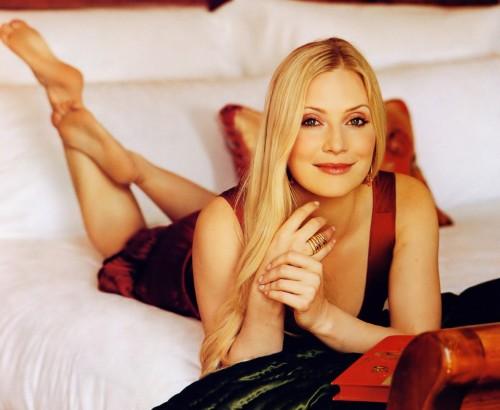 Emily-Procter-Feet-5e633f4435898e40a.jpg