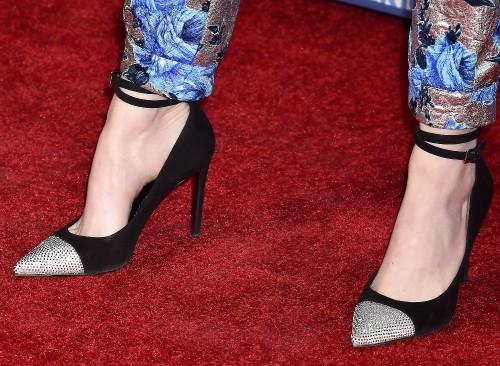 Emma-Stone-Feet-3936547cb28214f3eb072f5.jpg