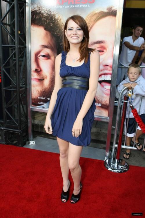 Emma-Stones-Feet-106fa1e837051044694.jpg