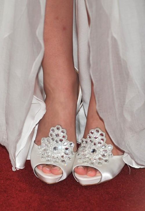 Emma-Watson-Toes-59c5662398a2f24cb.jpg