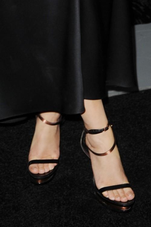 Emma-Watson-Toes-6de19238f66ca1a7e.jpg