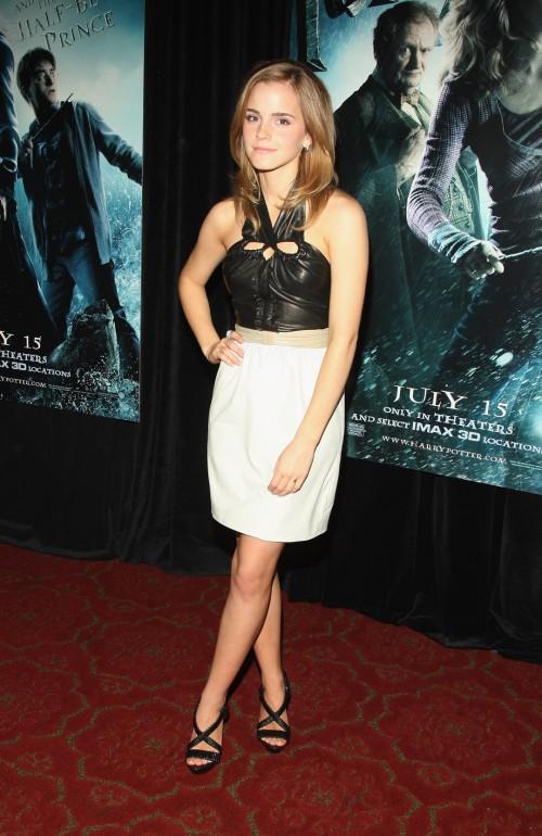 Emma-Watsons-Feet-4390dcf65e01304709.jpg