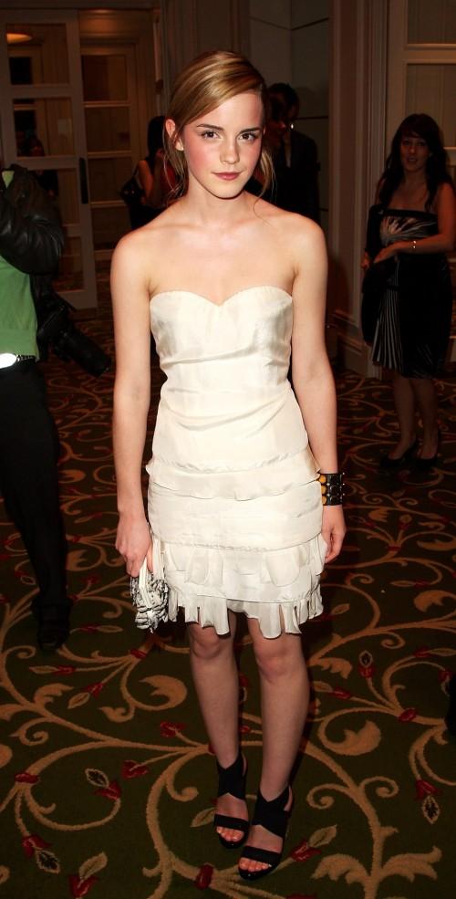 Emma-Watsons-Feet-454ce6dcfdf92bca63.jpg
