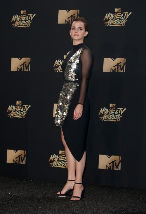 Emma-Watsons-Feet-595f79a8868b2bd94e.jpg