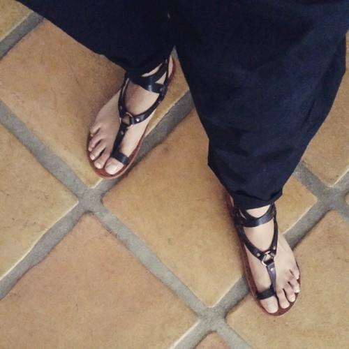 Emmanuelle-Chriqui-Feet-455aaf369f9c4cb59e.jpg